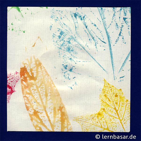 Wir drucken buntes Herbstlaub und Blätter mit Wasserfarben ...
